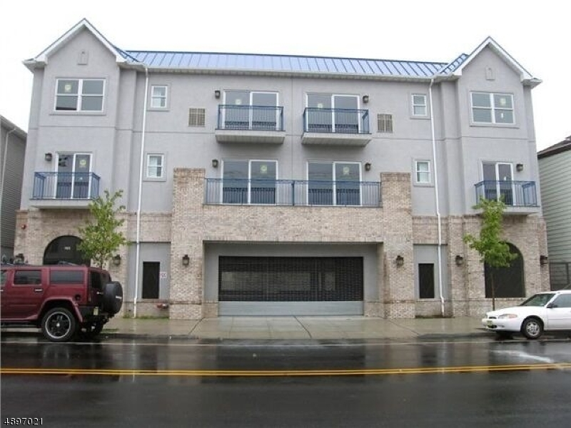 Condominium for Sale at 130 SOUTH ST 3D Newark, New Jersey 07105 United States