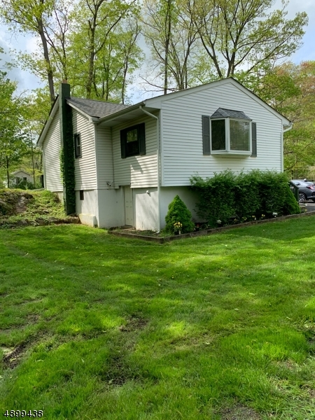 Single Family Home for Sale at 4 DARTMOUTH TRL Hopatcong, New Jersey 07843 United States