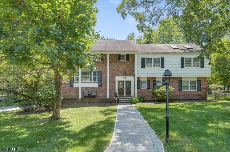 Single Family Homes für Verkauf beim Springfield, New Jersey 07081 Vereinigte Staaten