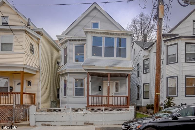 Single Family Homes para Alugar às Paterson, Nova Jersey 07522 Estados Unidos