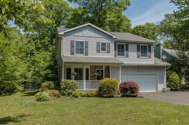 独户住宅 为 销售 在 1629 FOREST HILL ROAD 平原镇, 07060 美国