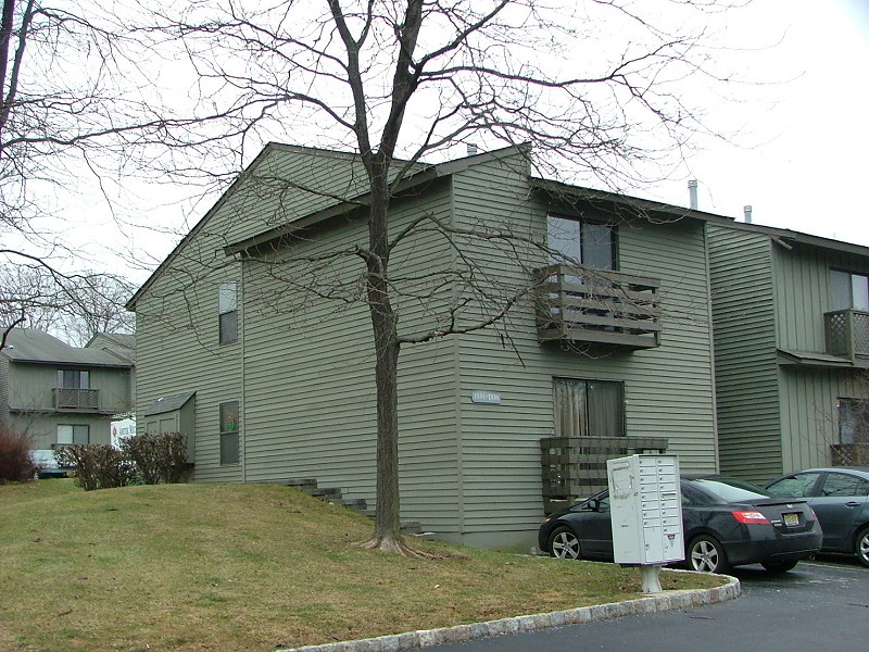 Additional photo for property listing at 1802 Spruce Hills Drive  Glen Gardner, New Jersey 08826 États-Unis
