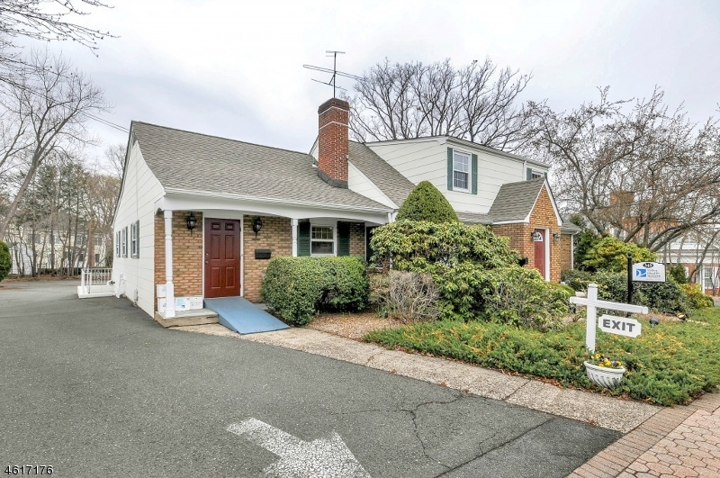 Additional photo for property listing at 345 Franklin Avenue  Wyckoff, New Jersey 07481 États-Unis