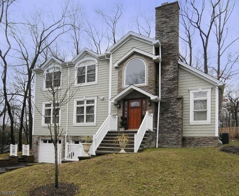 Additional photo for property listing at 133 Chestnut Drive  Wayne, Nueva Jersey 07470 Estados Unidos