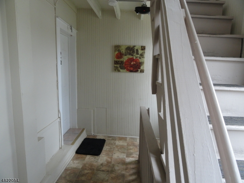 Additional photo for property listing at 127 Pine Street  Elizabeth, Нью-Джерси 07206 Соединенные Штаты