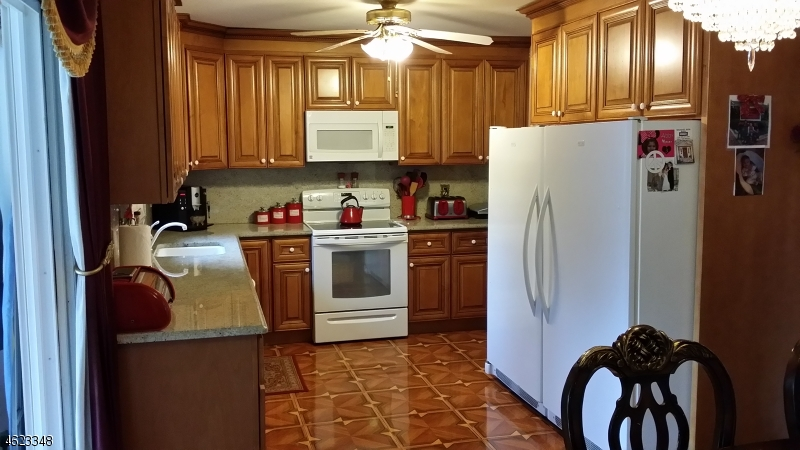 Additional photo for property listing at 48 Landing Road  Hewitt, Nueva Jersey 07421 Estados Unidos