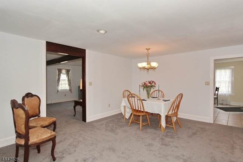 Additional photo for property listing at 63 Station Road  Somerville, Nueva Jersey 08876 Estados Unidos
