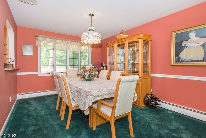 Additional photo for property listing at 12 Knight Road  Wayne, New Jersey 07470 États-Unis