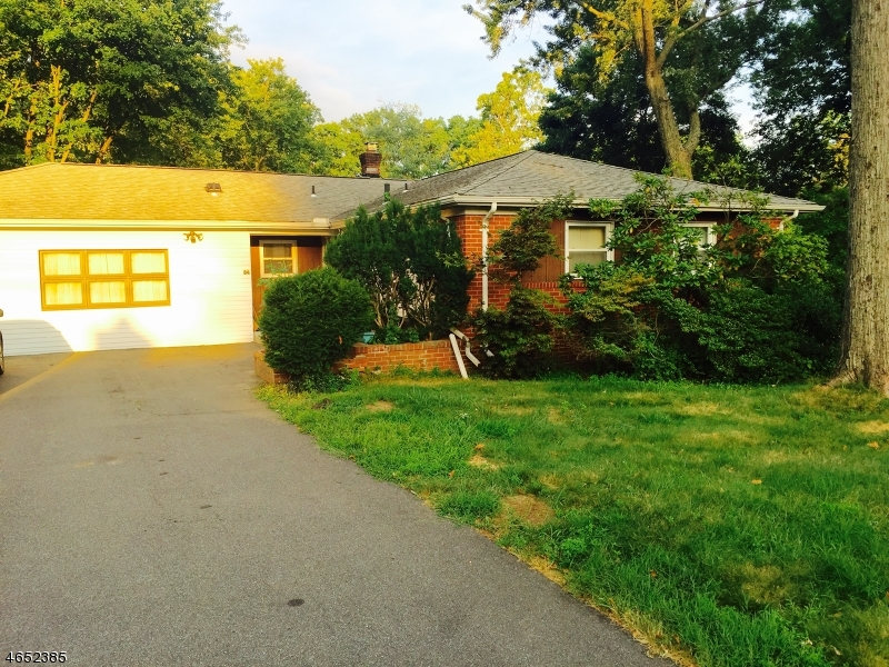 Additional photo for property listing at 84 Prospect Road  Parsippany, New Jersey 07054 United States