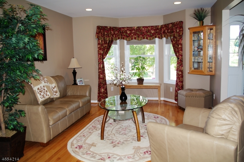Additional photo for property listing at 21 Witherwood Drive  Hardyston, New Jersey 07419 États-Unis
