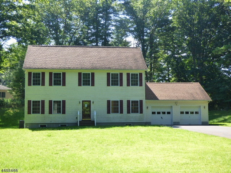 Maison unifamiliale pour l Vente à 110 North Court Montague, New Jersey 07827 États-Unis