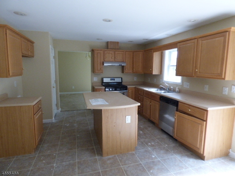 Additional photo for property listing at 110 North Court  Montague, New Jersey 07827 États-Unis
