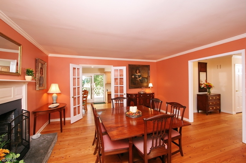 Additional photo for property listing at 101 Riverwood Avenue  Bedminster, New Jersey 07921 United States