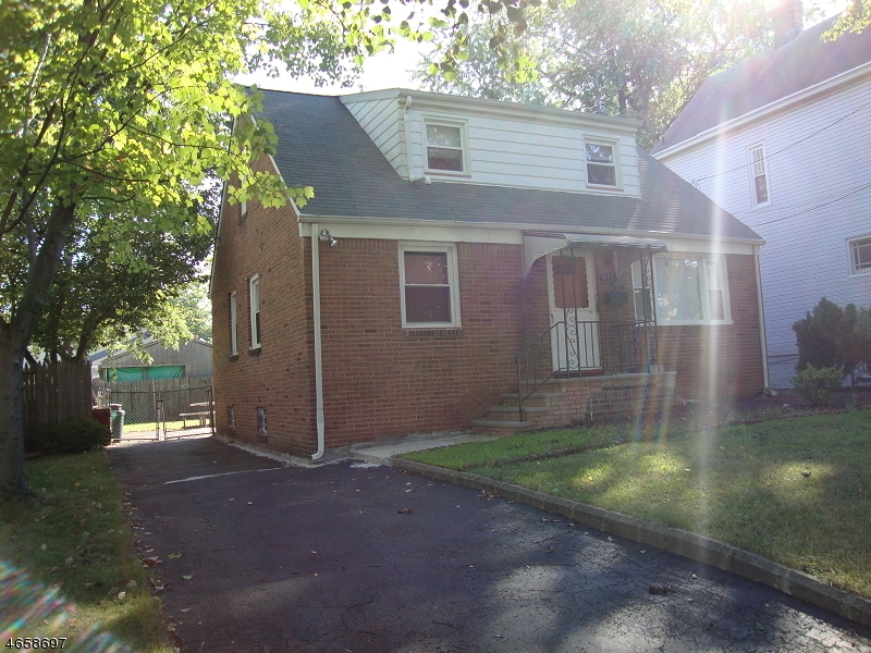 Additional photo for property listing at 527 Myrtle Avenue  Roselle Park, 新泽西州 07204 美国