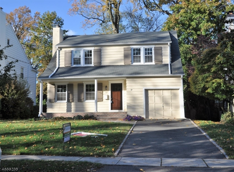 Частный односемейный дом для того Аренда на 57 Elmwood Place Short Hills, Нью-Джерси 07078 Соединенные Штаты