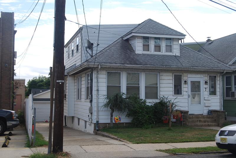 Частный односемейный дом для того Продажа на 7 Legion Place North Arlington, 07031 Соединенные Штаты