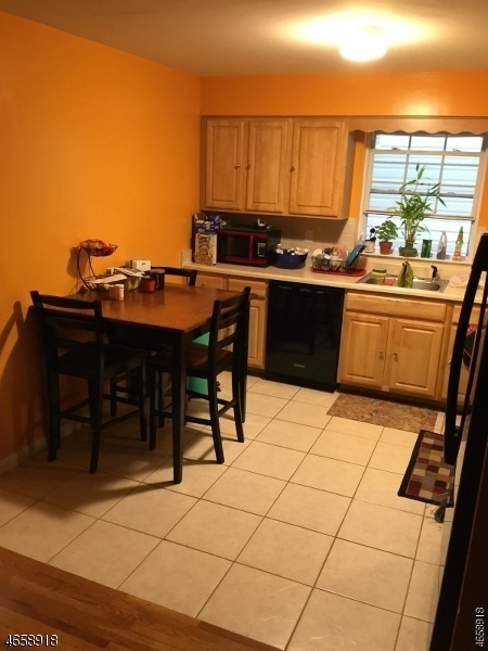 Additional photo for property listing at 18 Triton Ter  Newark, New Jersey 07104 États-Unis