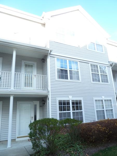 独户住宅 为 出租 在 503 Tulsa Court 哈克特斯镇, 新泽西州 07840 美国