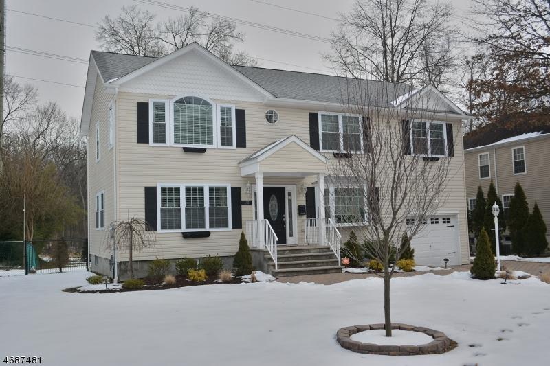 Maison unifamiliale pour l Vente à 112 OVERLOOK Avenue East Hanover, New Jersey 07936 États-Unis