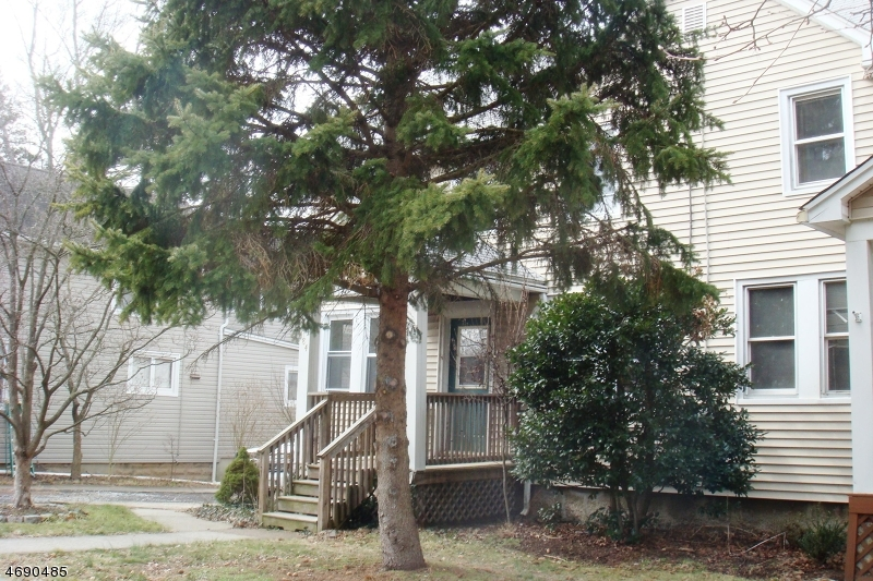 Single Family Home for Rent at 484 4th Avenue Westwood, New Jersey 07675 United States