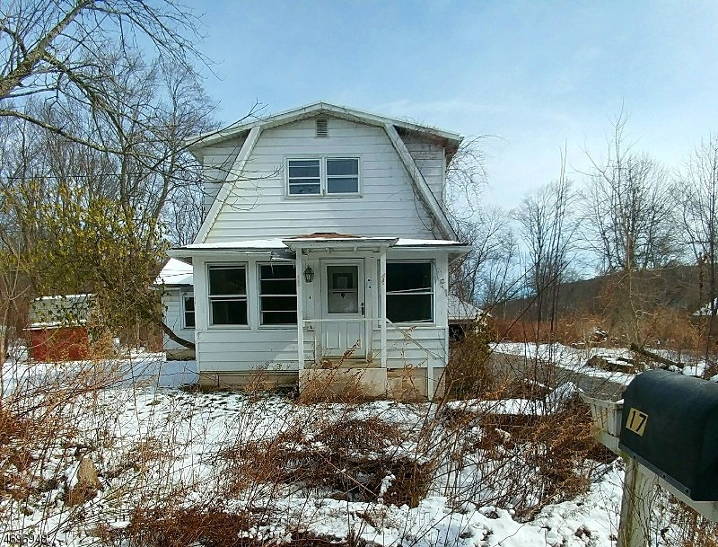 独户住宅 为 销售 在 17 Manor Pkwy Ledgewood, 07852 美国