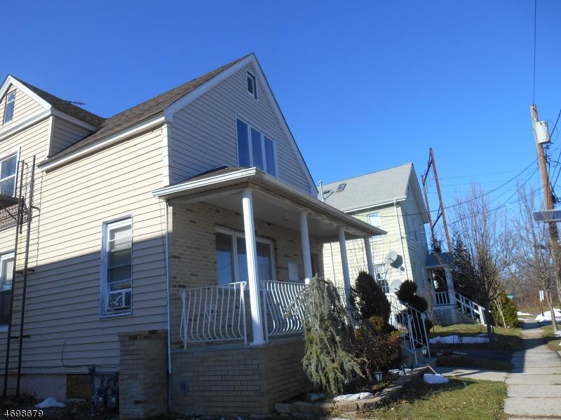Casa Unifamiliar por un Alquiler en 1031 Bergen Avenue Linden, Nueva Jersey 07036 Estados Unidos