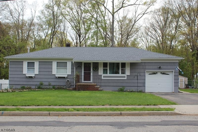Maison unifamiliale pour l à louer à 15 Summit Road Oak Ridge, New Jersey 07438 États-Unis
