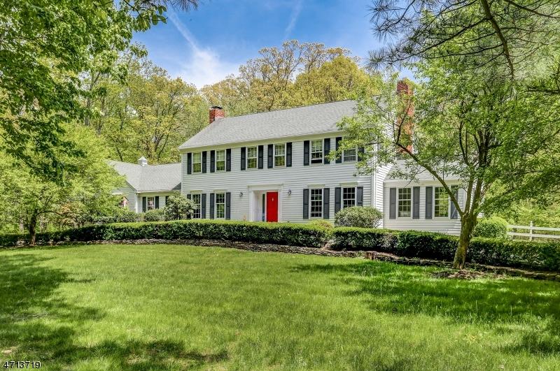 Частный односемейный дом для того Аренда на 37 N Gate Road Mendham, Нью-Джерси 07945 Соединенные Штаты