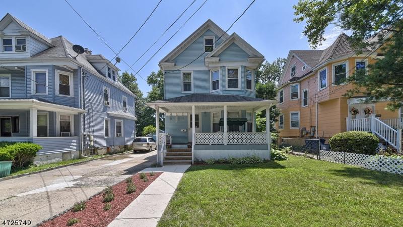 独户住宅 为 销售 在 69 Clinton Place 哈克萨克市, 07601 美国
