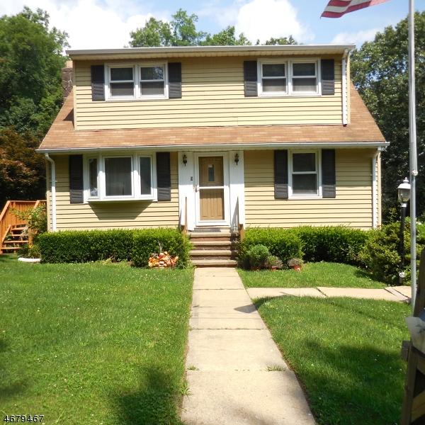 Maison unifamiliale pour l Vente à 9 Glenn Avenue Glen Gardner, New Jersey 08826 États-Unis