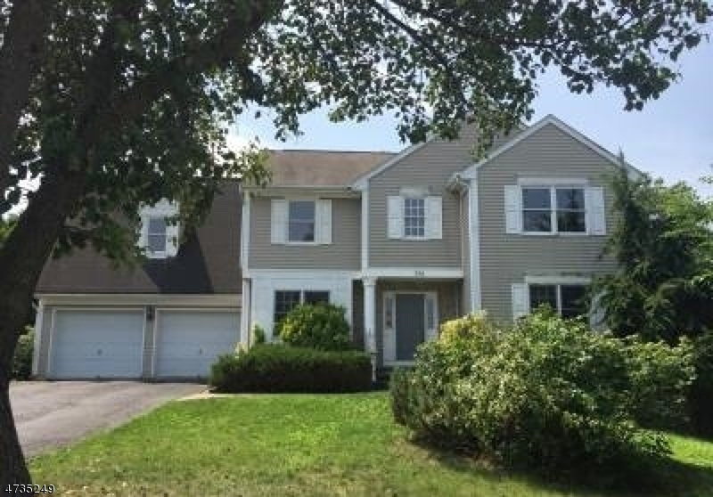 独户住宅 为 销售 在 396 James Woods Court 新米尔福德, 新泽西州 07646 美国