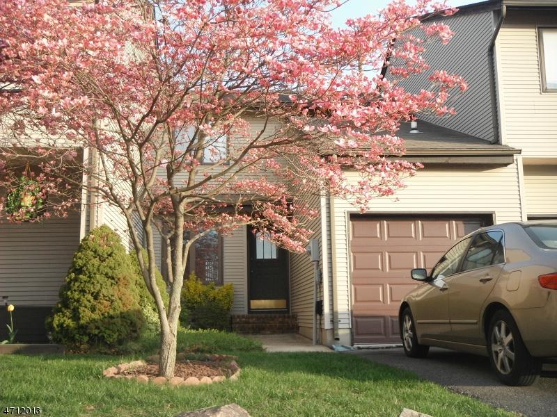 Casa Unifamiliar por un Alquiler en 21 Fir Court Raritan, Nueva Jersey 08822 Estados Unidos