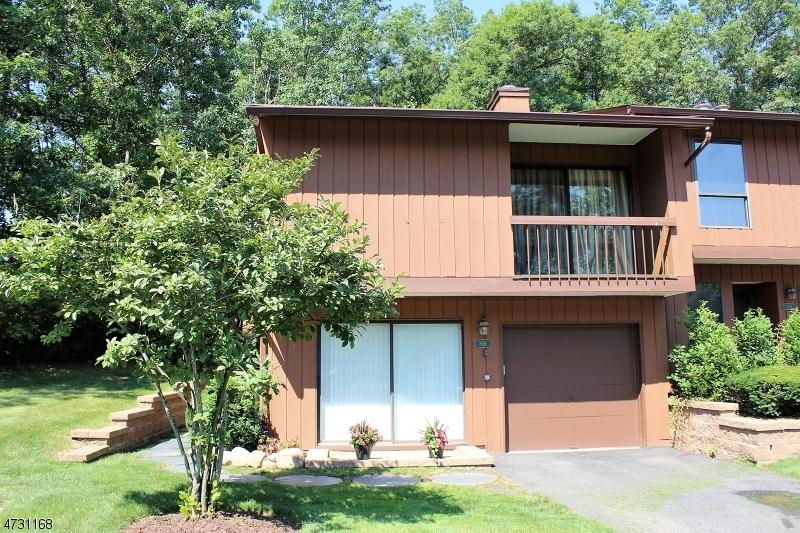 独户住宅 为 销售 在 856 Upper Way Wharton, 新泽西州 07885 美国