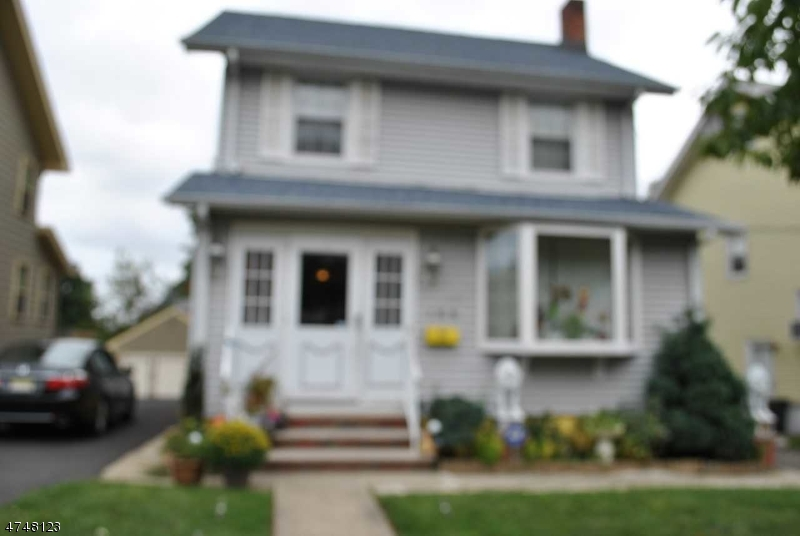 واحد منزل الأسرة للـ Sale في 168 Cedar Hill Avenue 168 Cedar Hill Avenue Belleville, New Jersey 07109 United States