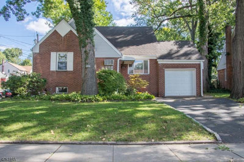 Maison unifamiliale pour l Vente à 191 Johnson Avenue Dumont, New Jersey 07628 États-Unis