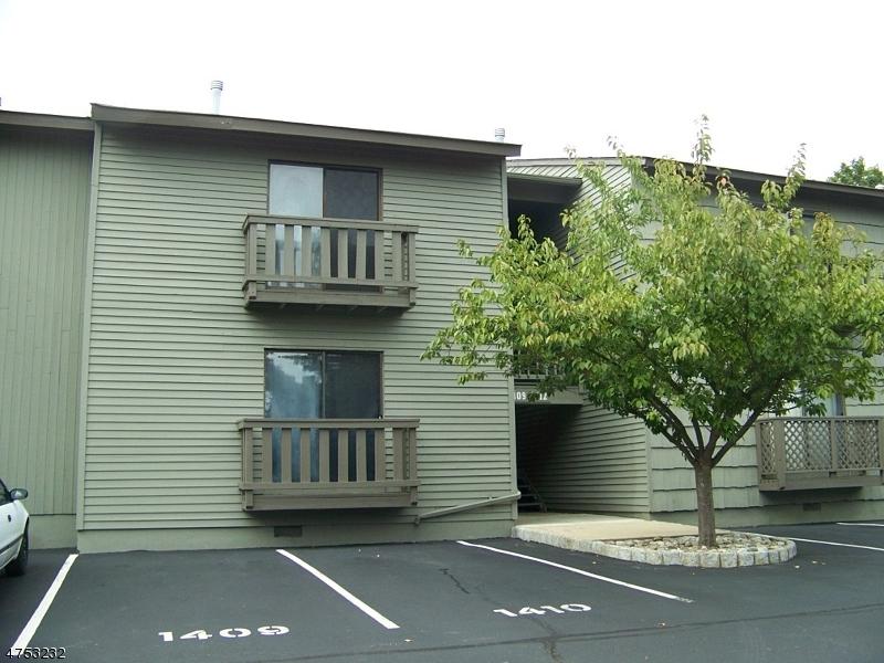 Casa Unifamiliar por un Venta en 1410 Spruce Hills Drive Glen Gardner, Nueva Jersey 08826 Estados Unidos