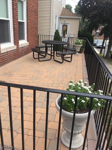 Частный односемейный дом для того Аренда на 5 Howard Pl, 2 Nutley, Нью-Джерси 07110 Соединенные Штаты