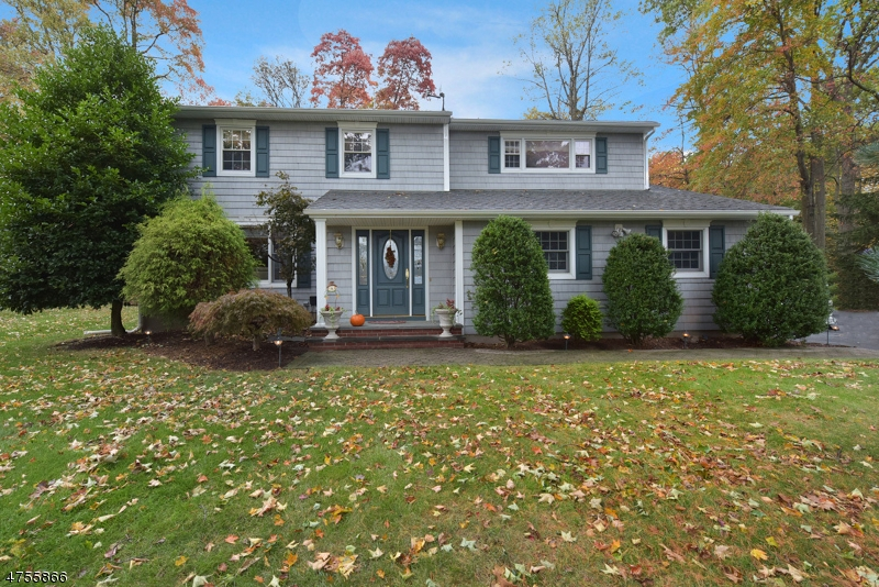 Single Family Home for Sale at 27 Colonial Heights Drive Ramsey, New Jersey 07446 United States