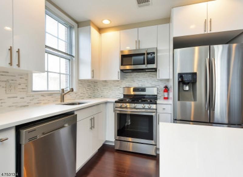 Maison unifamiliale pour l à louer à 7106 COVENTRY Court Riverdale, New Jersey 07457 États-Unis
