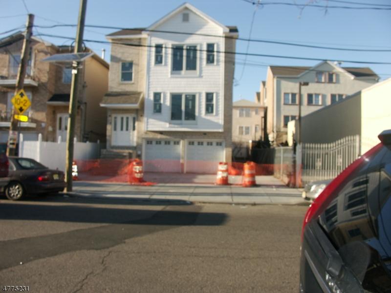 多戶家庭房屋 為 出售 在 8-10 JABEZ Street Newark, 新澤西州 07105 美國