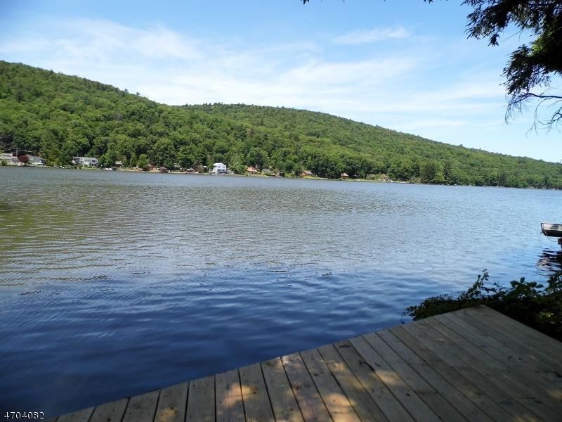 独户住宅 为 销售 在 45 Pinecliff Lake Drive 西米尔福德, 新泽西州 07480 美国