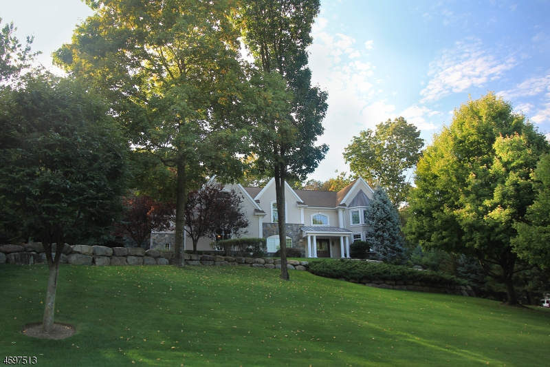 Single Family Home for Sale at 40 Brams Hill Drive Mahwah, New Jersey 07430 United States