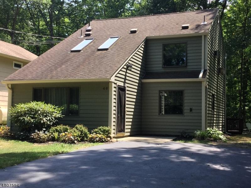 Maison unifamiliale pour l Vente à 46 River Road Byram Township, New Jersey 07874 États-Unis