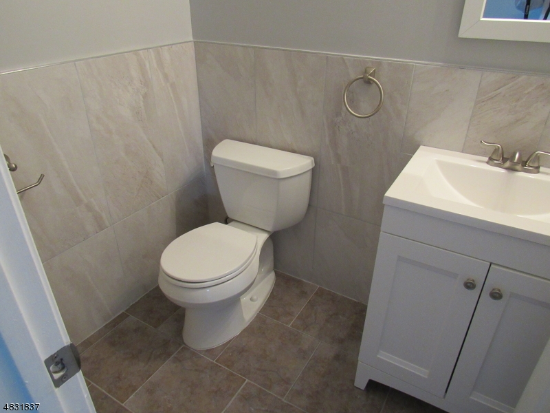 Additional photo for property listing at 11 BURR Street  Bridgewater, New Jersey 08807 États-Unis