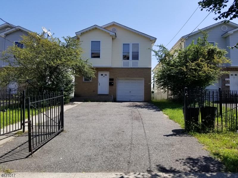多戶家庭房屋 為 出售 在 22 JOHNSON Avenue Newark, 新澤西州 07108 美國