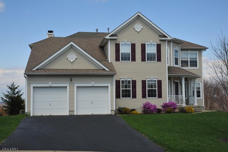 Moradia para Venda às 338 PINNACLE Drive Jefferson Township, Nova Jersey 07849 Estados Unidos