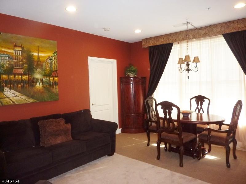 Condo / Townhouse pour l à louer à 6209 BROOKHAVEN Court Riverdale, New Jersey 07457 États-Unis