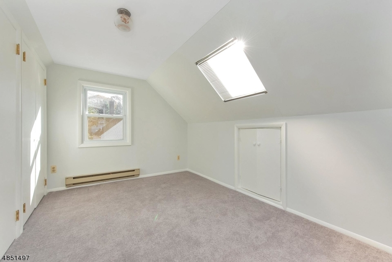 Additional photo for property listing at 6 PARK Avenue  Mine Hill, New Jersey 07803 États-Unis