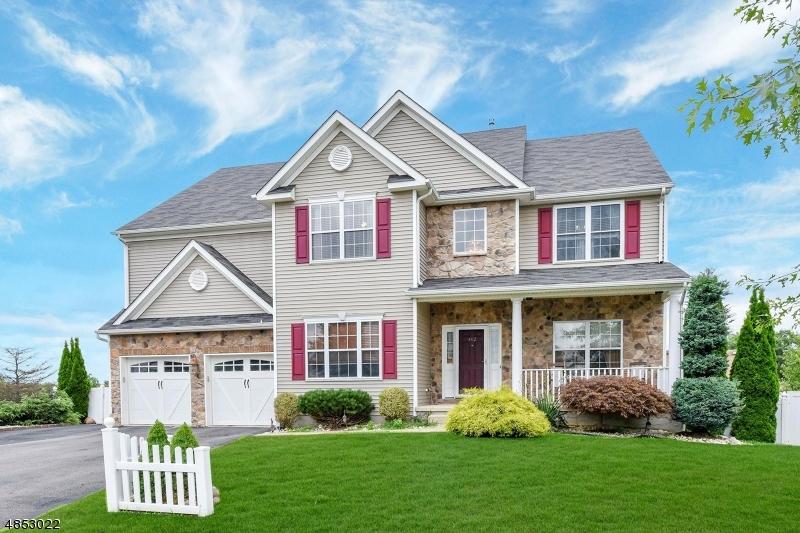 Moradia para Venda às 462 MOUNTAIN TOP COURT Jefferson Township, Nova Jersey 07849 Estados Unidos