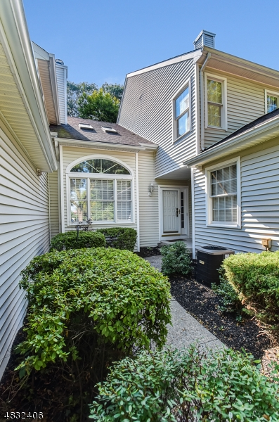 Condo / Townhouse for Sale at 12 CHRISTOPHER Court Lincoln Park, New Jersey 07035 United States
